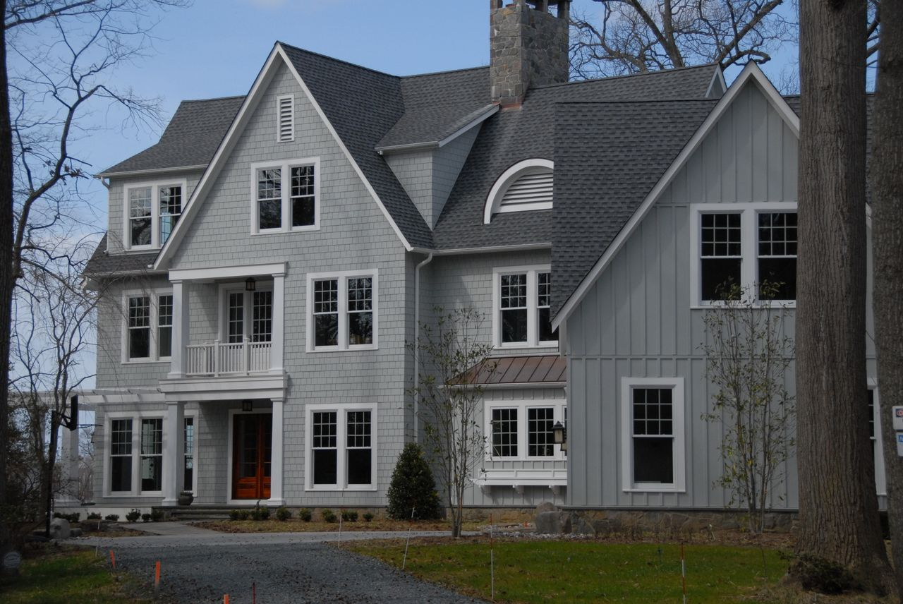 Maryland siding contractor annapolis md roofing for Wood siding vs hardiplank